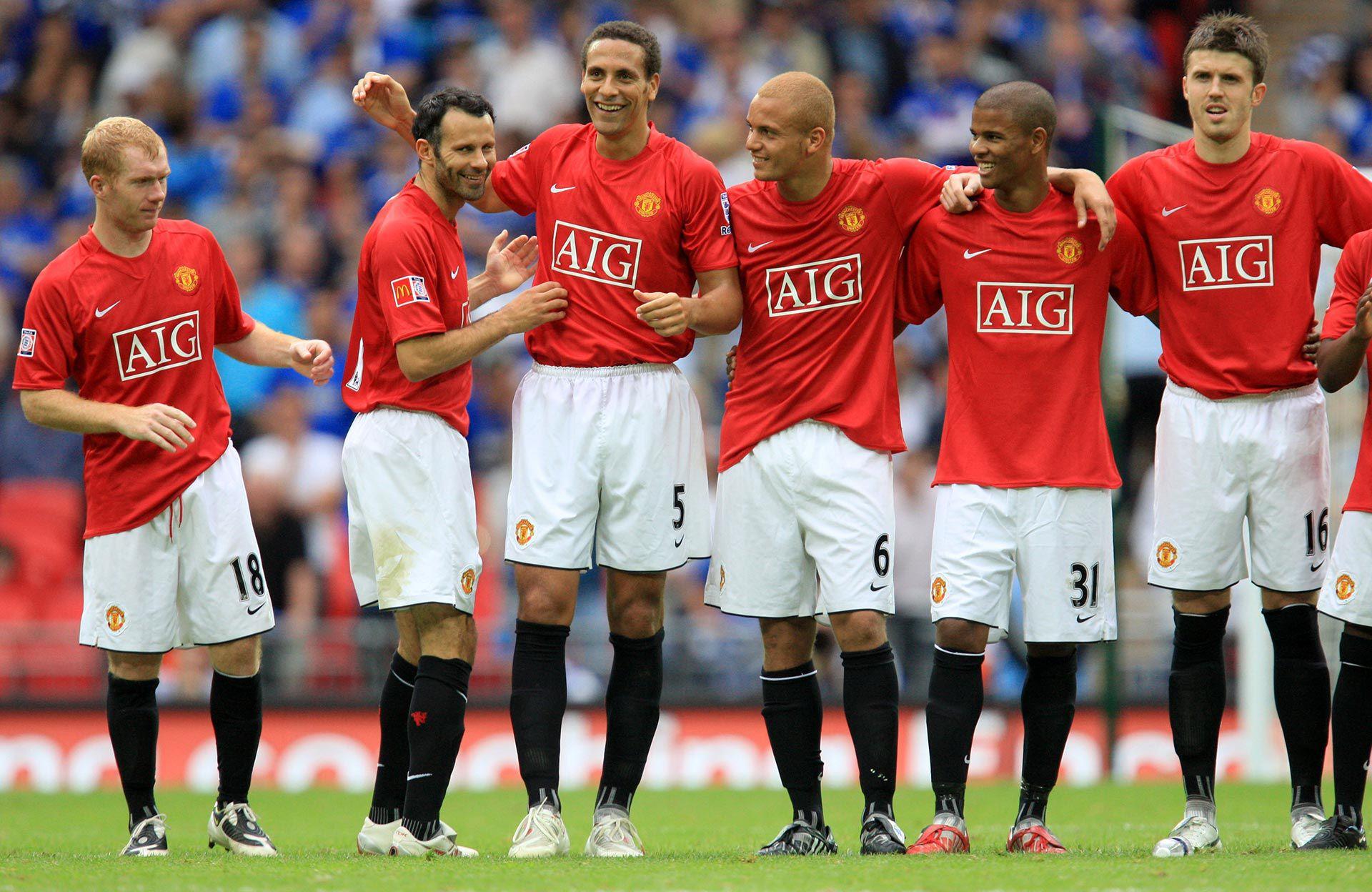 Rio Ferdinand pudo pasar del Manchester United al FC Barcelona en 2008 (Shutterstock)