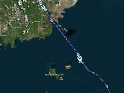 Flex Aurora esperó nueve días para llegar al Canal de Panamá.