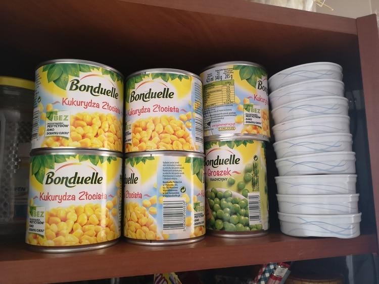 """""""Los alimentos frescos, ricos en nutrientes, del tipo que las personas idealmente deberían comer cuando su salud está en juego, son caros y se deterioran rápidamente. Pero que esto no sea excusa para correr al supermercado y llenar el chango de alimentos industrializados que de nada ayudan"""" (Shutterstock)"""