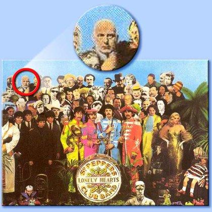 Crowley en la tapa de Sgt. Pepper…