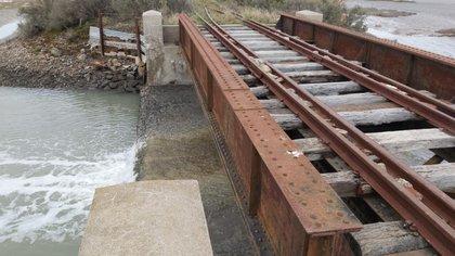 El cuerpo fue hallado en una zona de bañados, cercano al camino de las vías del ferrocarril que va a la localidad de General Cerri.