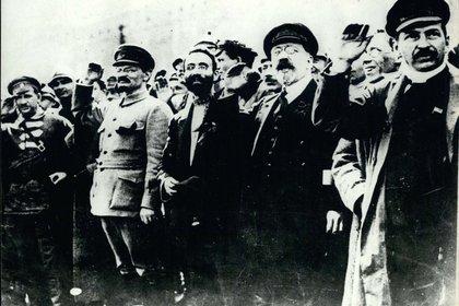 José Stalin y Leon Trotsky en Petrogrado, en 1917 (Shutterstock)