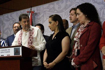 Gerardo Fernández Noroña, diputado del PT, en conferencia de prensa se retractó de las acusaciones que presuntamente realizó a Adriana Dávila, diputada del PAN,  cuando en la sesión pasada se discutía el tema de la trata de personas en Tlaxcala (FOTO: MARIO JASSO /CUARTOSCURO.COM)
