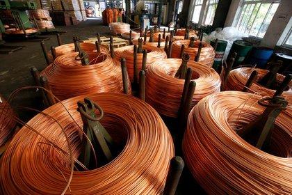 Foto de archivo de una fábrica de cables de cobre en la provincia de Hai Duong, en Vietnam.  Ago 11, 2017. REUTERS/Kham