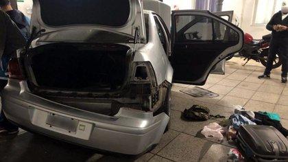 El VW Bora conducido por Aguilar tras el desguace para encontrar la carga.