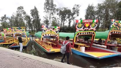 El canal de Xochimilco cuenta con unos 10 embarcaderos donde turistas pueden rentar una trajinera (Foto: Embarcadero Cuemando Facebook)