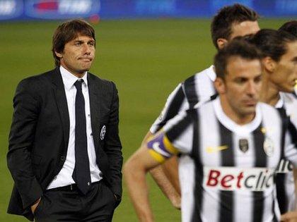 Antonio Conte ganó los tres primeros Scudettos de los nueve que llevaba la Juventus y ahora rompió esa hegemonía con el Inter (Reuters)