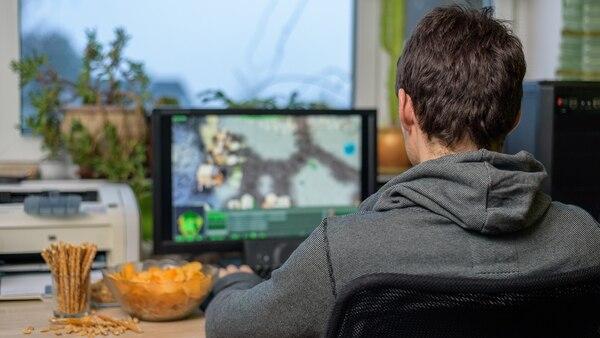 El 47% de los entrevistados por los autores del estudio, reconoció que dejó de hacer distintas actividades para dedicarle más tiempo a los videojuegos (Getty Images)