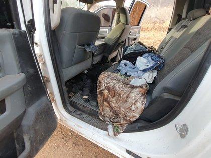 Una camioneta fue abanadonada en la sindicatura de Tepuche, donde se reportó un enfrentamiento de hombres armados (Foto: Twitter/Mtro_CCastaneda)