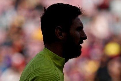 Messi, en su laberinto: el contrato que lo vincula con el barça vence en junio de 2021 (REUTERS/Albert Gea)