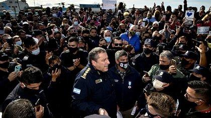 El reclamo de la Policía Bonaerense comenzó en la tarde del lunes (Gustavo Gavotti)