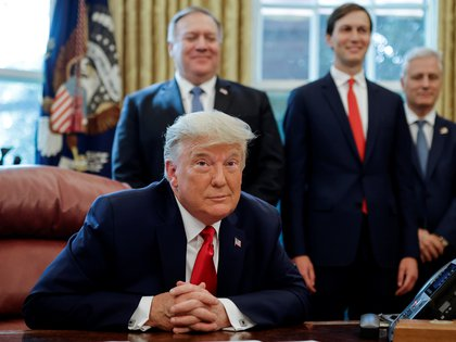 El presidente Donald Trump durante una conferencia con los líderes de Israel y Sudán en el Salón Oval de la Casa Blanca.  REUTERS / Carlos Barria