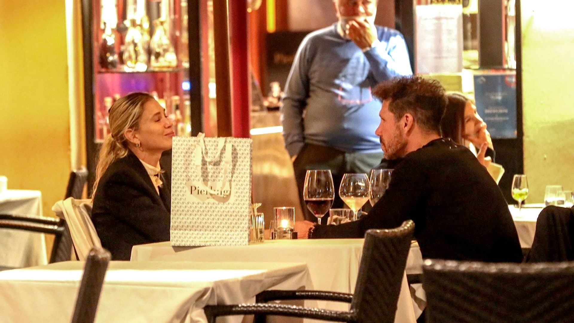 Celebrities-en-un-clic-Diego-Simeone-y-esposa-13102020