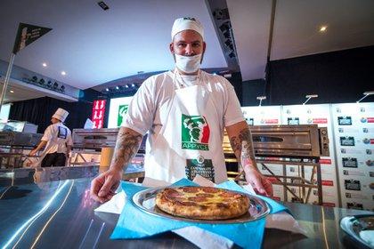 """El """"Campeonato Argentino de la Pizza y la Empanada"""", organizado por la Asociación de Propietarios de Pizzerías y Casas de Empanadas de la República Argentina (APPYCE)"""