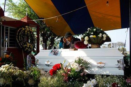 Velorio de  de Aideé Mendoza, la joven  asesinada en el plantel Oriente del Colegio de Ciencias y Humanidades (CCH) de la UNAM. (Foto: Cuartoscuro)
