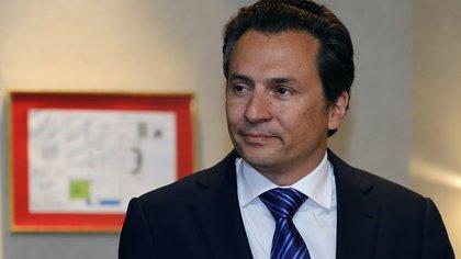 El exdirector de Petróleos Mexicanos (Pemex) Emilio Lozoya llega el jueves 17 de agosto de 2017, a una rueda de prensa en Ciudad de México (México). EFE/José Méndez/Archivo