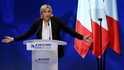 """El discurso de Marine Le Pen recurre a expresiones que su padre, Jean-Marie Le Pen, jamás hubiera pronunciado como """"los desposeídos"""". (Reuters)"""