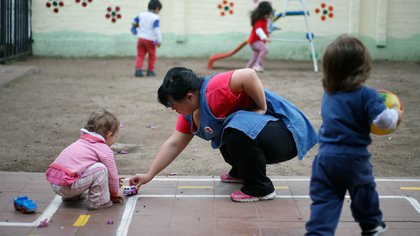 146 jardines maternales ya cerraron por la crisis (Reuters)