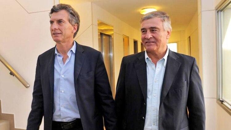 El presidente Mauricio Macri y el ministro de Defensa Oscar Aguad