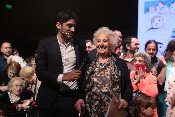 Estela de Carlotto anunció, junto a Manuel Goncalvez, la restitución de la identidad de una nueva nieta