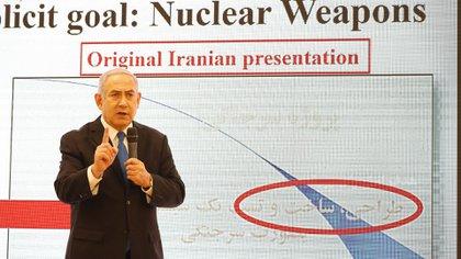 Durante su exposición, Benjamin Netanyahu aseveró que Irán le había mentido a todo el mundo (AFP)