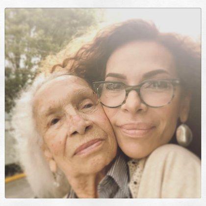 María del Sol se mantuvo unida a su madre Josefina Echánove y a su cuidado en este año de pandemia (Foto: Instagram @mariadelsol10)