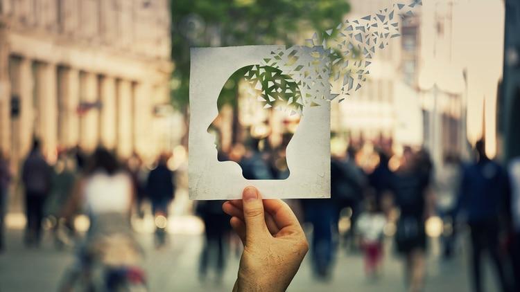 Este tipo de demencia afecta a más de 30 millones de personas en el mundo y está asociada a una disminución en la circulación cerebral (Shutterstock)