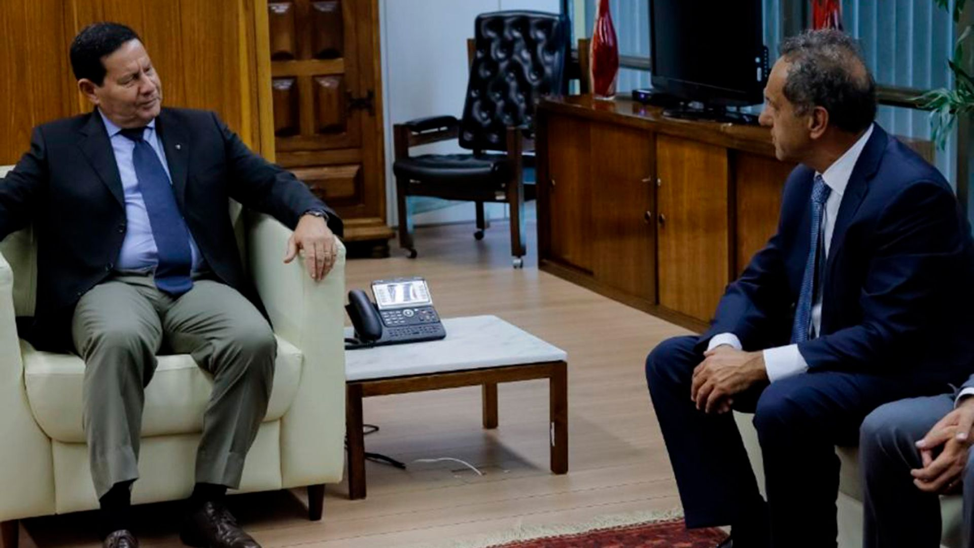 Daniel Scioli y Hamilton Mourao, vicepresidente brasileño