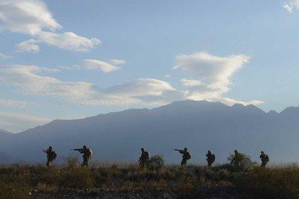 El Ejército, durante un ejercicio de ataque y conquista de objetivo. Foto: Archivo DEF.