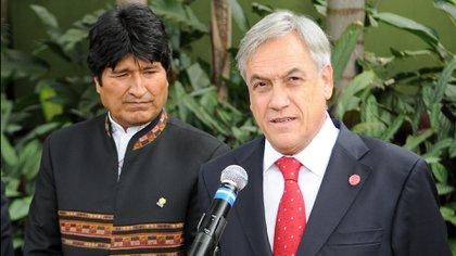 El presidente de Bolivia, Evo Morales, y su par chileno Sebastián Piñera (biobiochile.cl)