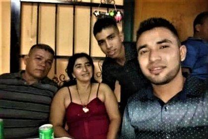 De la familia Ramírez Remolina que están en la gráfica solo sobrevivió Edinson Emir (a la derecha) (Cortesía Junio Parra)