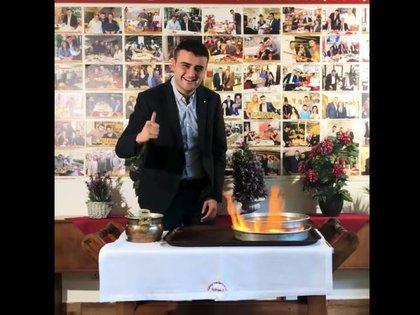 Burak Özdemir, también conocido como CZNBurak, es el chef más famoso de TikTok. Es conocido por cocinar comidas turcas elaboradas (Youtube)