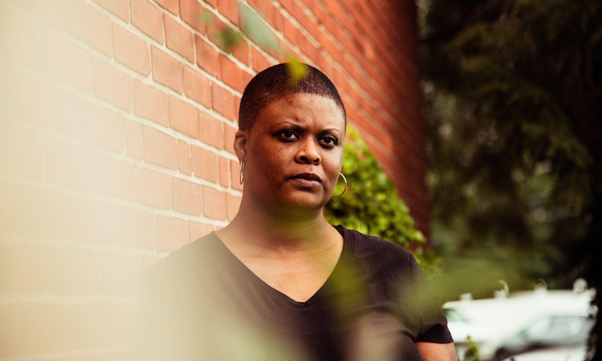 Chimere Smith, una maestra que no ha podido regresar a su trabajo desde que contrajo COVID-19 en marzo (Schaun Champion/The New York Times)