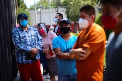 En general la pandemia a costado al gobierno mexicano 59,199 millones de pesos, lo que al mes implicó un gasto de 9,866 millones 66,545 pesos (Foto: Reuters/Edgard Garrido)