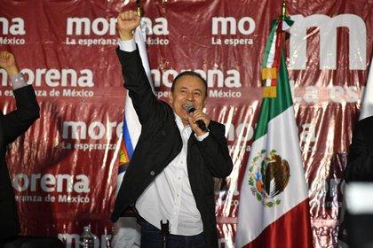 El ex secretario de Seguridad federal, Alfonso Durazo, aspira a gobernar uno de los estados con altos índices delictivos (Foto: Twitter@/AlfonsoDurazo)