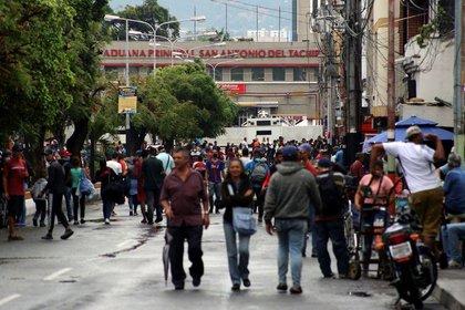 Cerca de la frontera entre Venezuela y Colombia, en San Antonio, Tachira (REUTERS/Carlos Eduardo Ramírez)