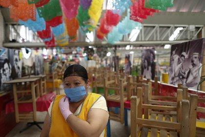 Las afetaciones económicas de la pandemia de coronavirus apenas se empiezan a sentir en México (Foto: Rebecca Blackwell/ AP)