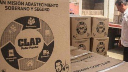 Los ex funcionarios dicen que ni la caja de alimentos reciben