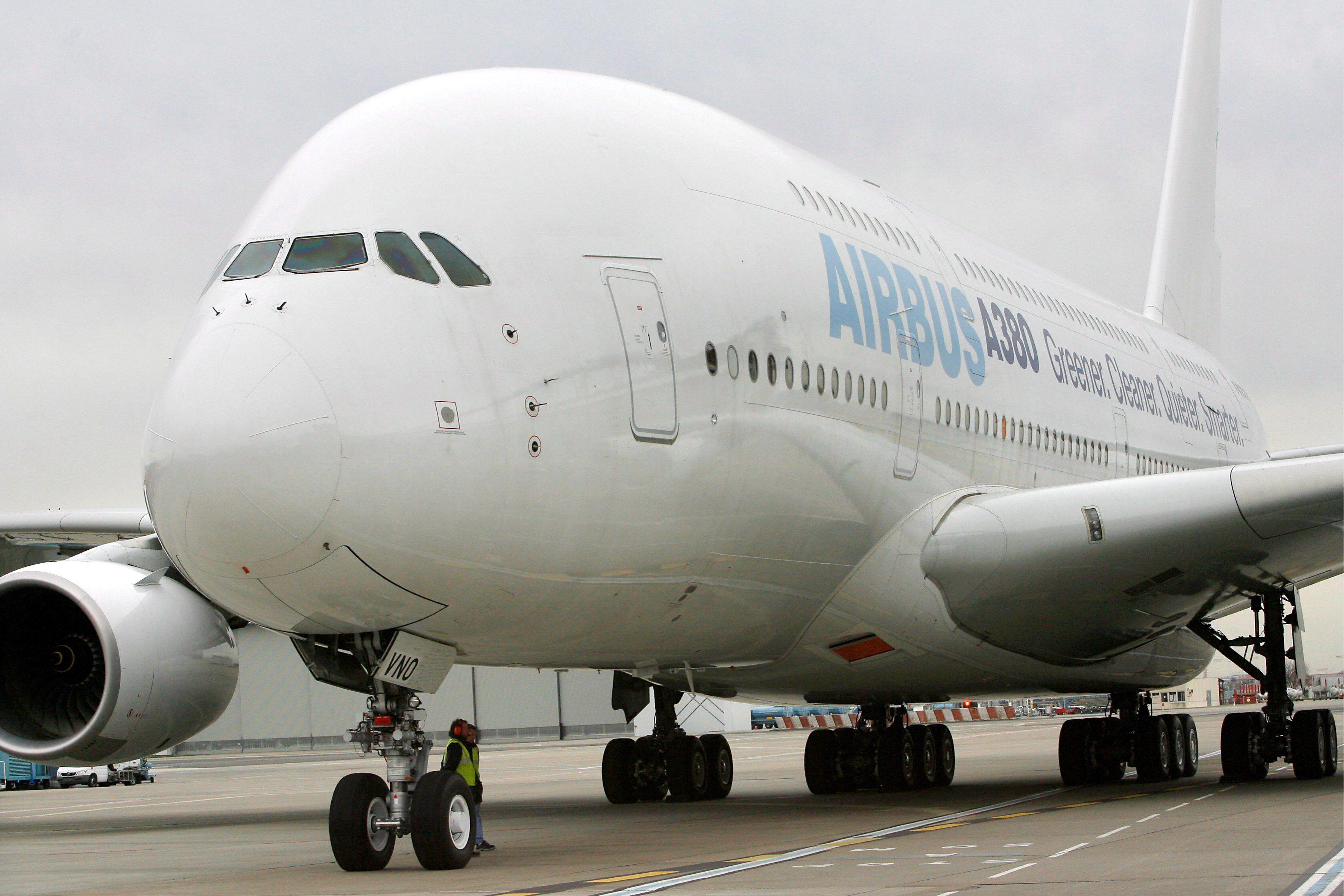 Un Airbus A380 en Toulousse (Francia). EFE/Guillaume Horcajuelo/Archivo