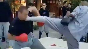 La impresionante patada de un monje Shaolin a un ex luchador de UFC que hace furor en las redes