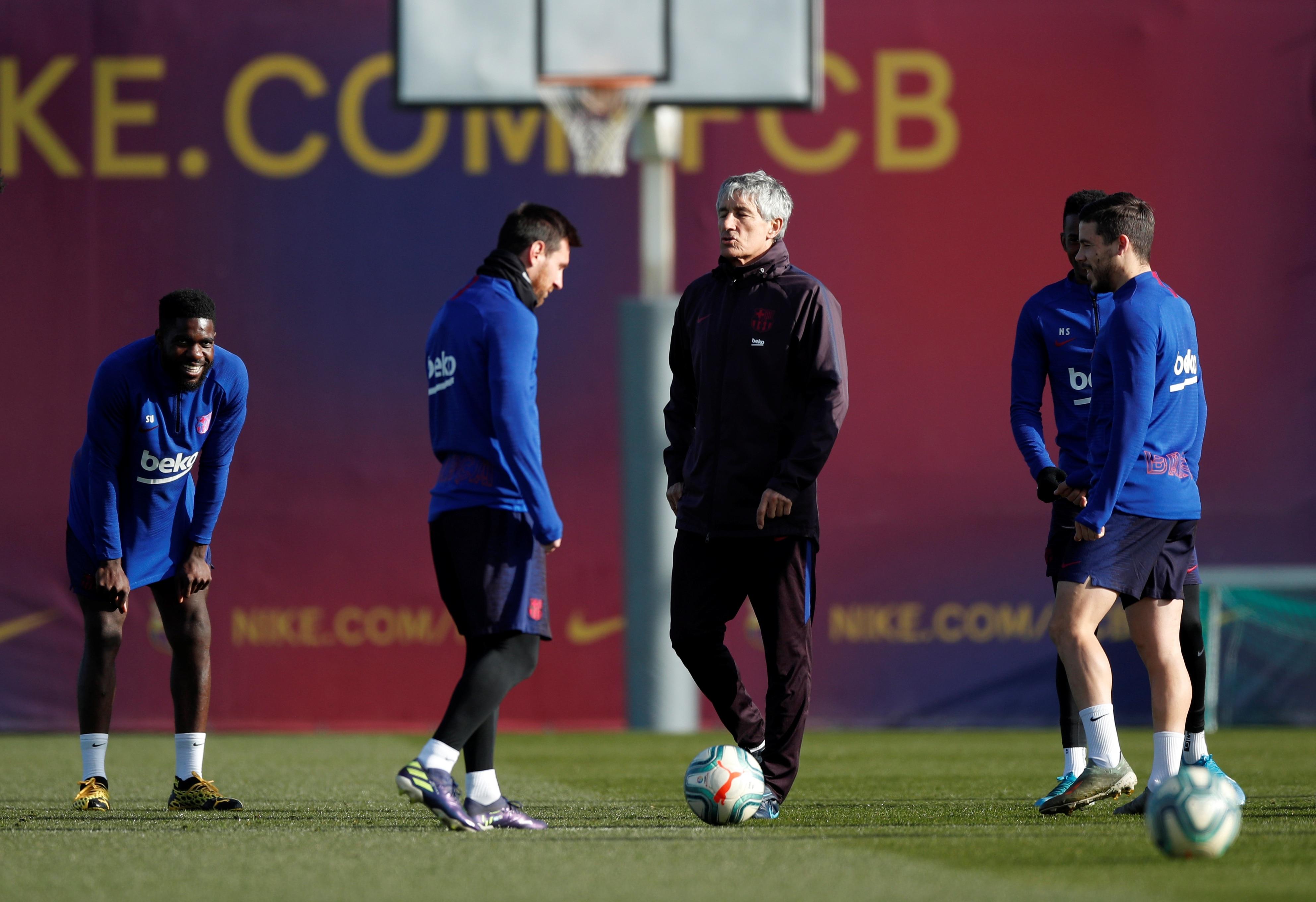 El técnico del Barcelona manifestó su preocupación por el estado físico de Messi a días del regreso del fútbol en España  - Infobae