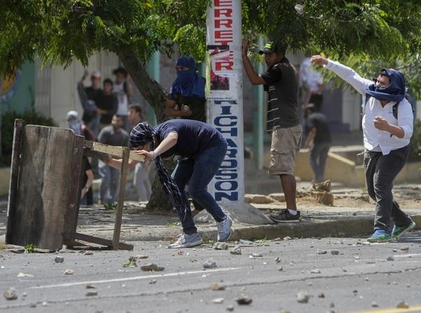 El Cenidh constató con familiares de los muertos los nombres y circunstancias de los decesos (AFP)