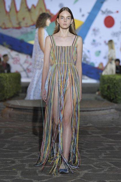 Vionnet en Milán Fashion Week, un show increible que artistas pintaron en vivo