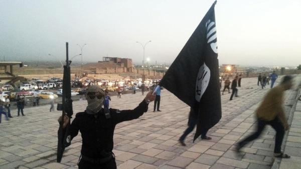 Aseguran que los yihadistas de ISIS se están reorganizando expandiéndose a otras regiones