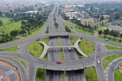 Así lucen las carreteras de Bogotá en plena cuarentena (AFP)