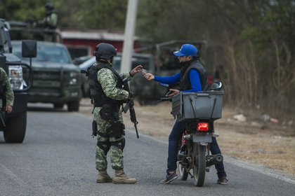 La CNDH indicó que la actuación de las Fuerzas Armadas deben estar subordinadas y ser complementarias a las labores civiles de seguridad (Foto: Cuartoscuro)