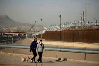 Así es ahora el muro fronterizo en El Paso, Texas, Estados Unidos, visto desde el lado mexicano de la frontera en Ciudad Juárez (Reuters/ José Luis González)