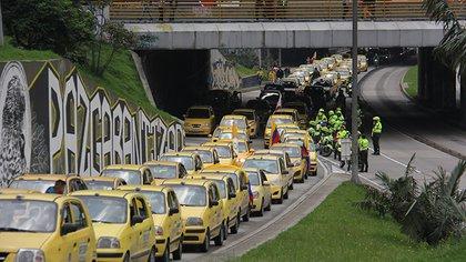 Se levanta el paro de taxista en Bogotá