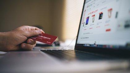 De acuerdo con la Profeco, la proporción de personas que realizó compras en línea en el Buen Fin 2019 fue de 12%  (Foto: Archivo)