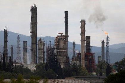 Entre ambos jueces federales ya se han otorgado hasta ahora al menos 29 suspensiones indefinidas contra la reforma eléctrica de AMLO (Foto: Henry Romero/ Reuters)